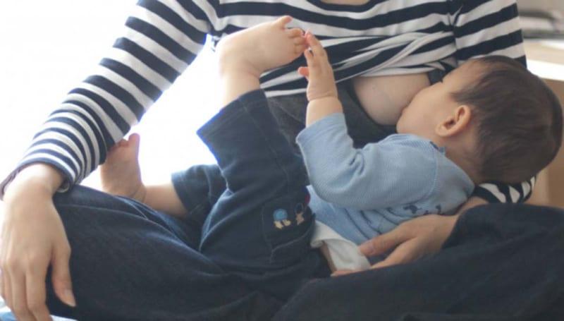 Mẹ sau sinh bị mất sữa 2 tháng có lấy lại được không?