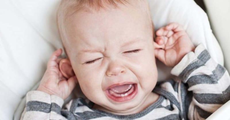 Làm thế nào để nhận biết rằng trẻ sốt do mọc răng?